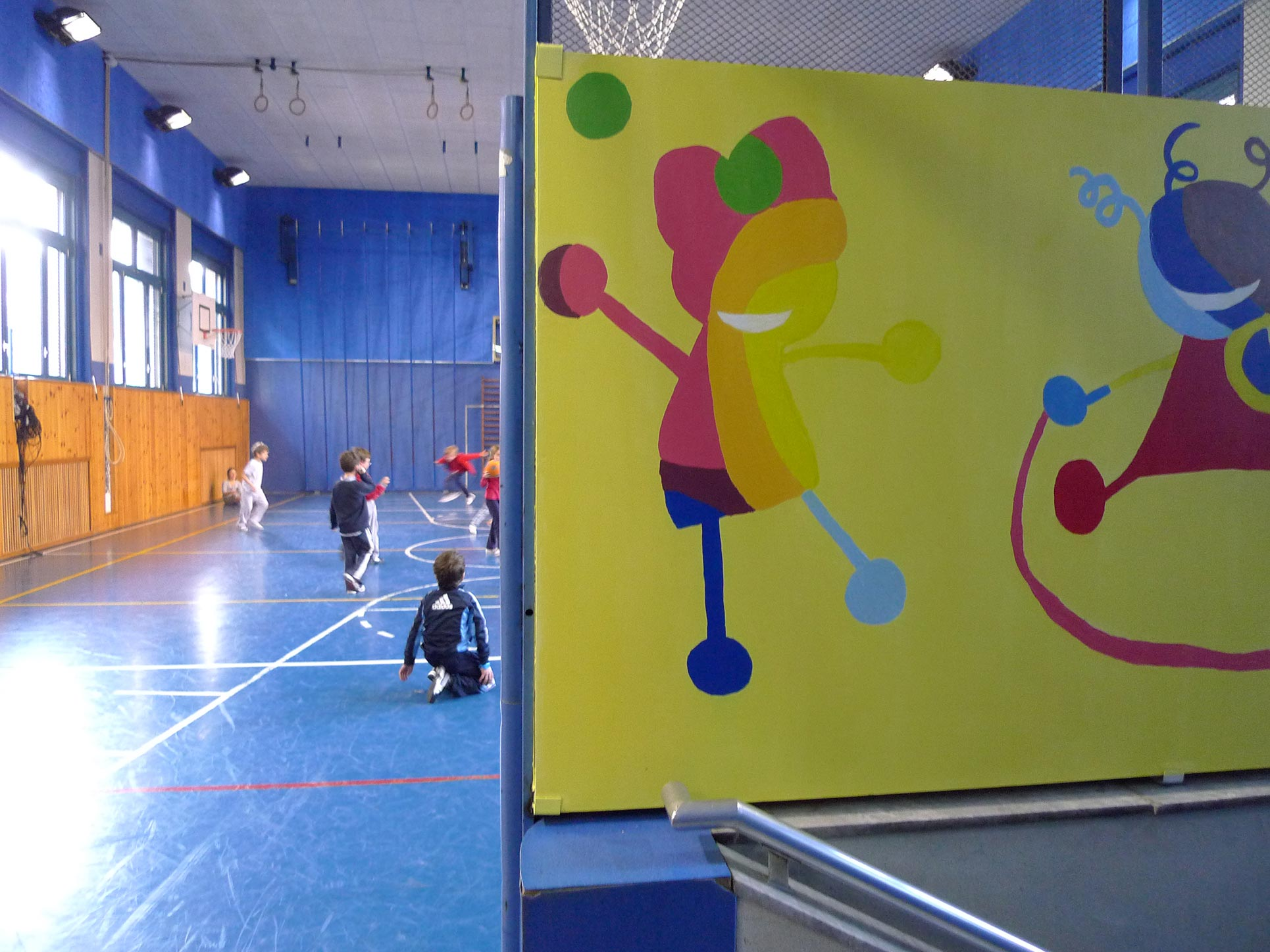 For the sports hall, project winner Giulia Zenucchi, created some tiny, funny and colorful little playing monsters (Photo: Barbara Fässler)