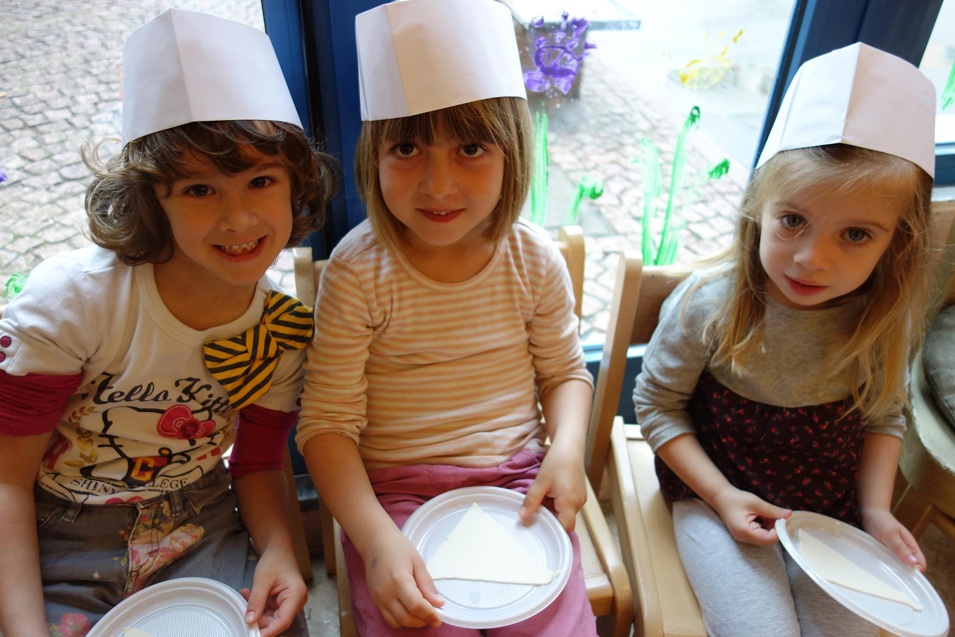 The kindergarten children producing ham croissants (Photo: Barbara Fässler)