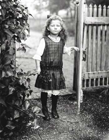 Figlia di contadino, 1919, August Sander. Die Photographische Sammlung/SK-Stiftung Kultur – August Sander Archiv, Koln – VG-Bild Kunst, Bonn