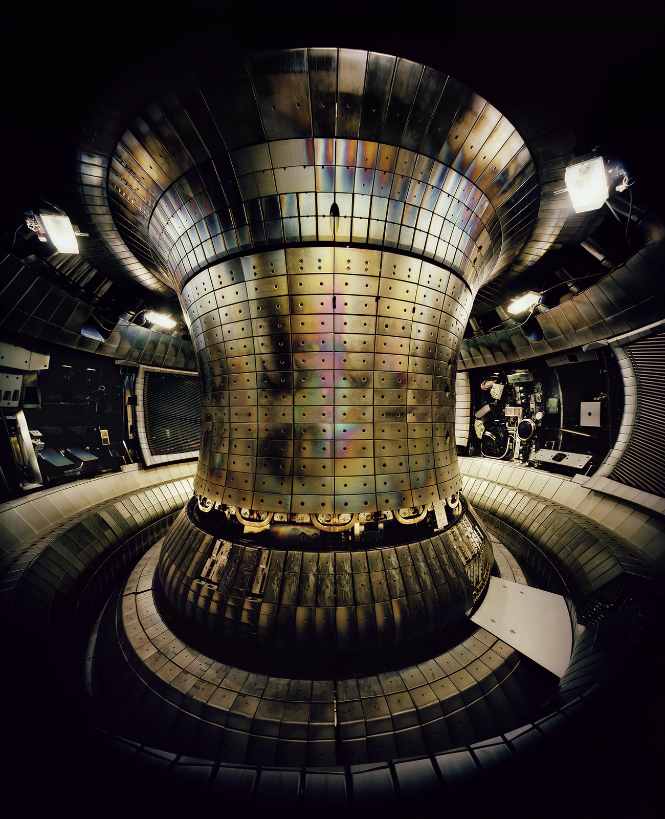 Thomas Struth, Tokamak Asdex Upgrade Interior 1, Max Planck IPP, Garching, 2010