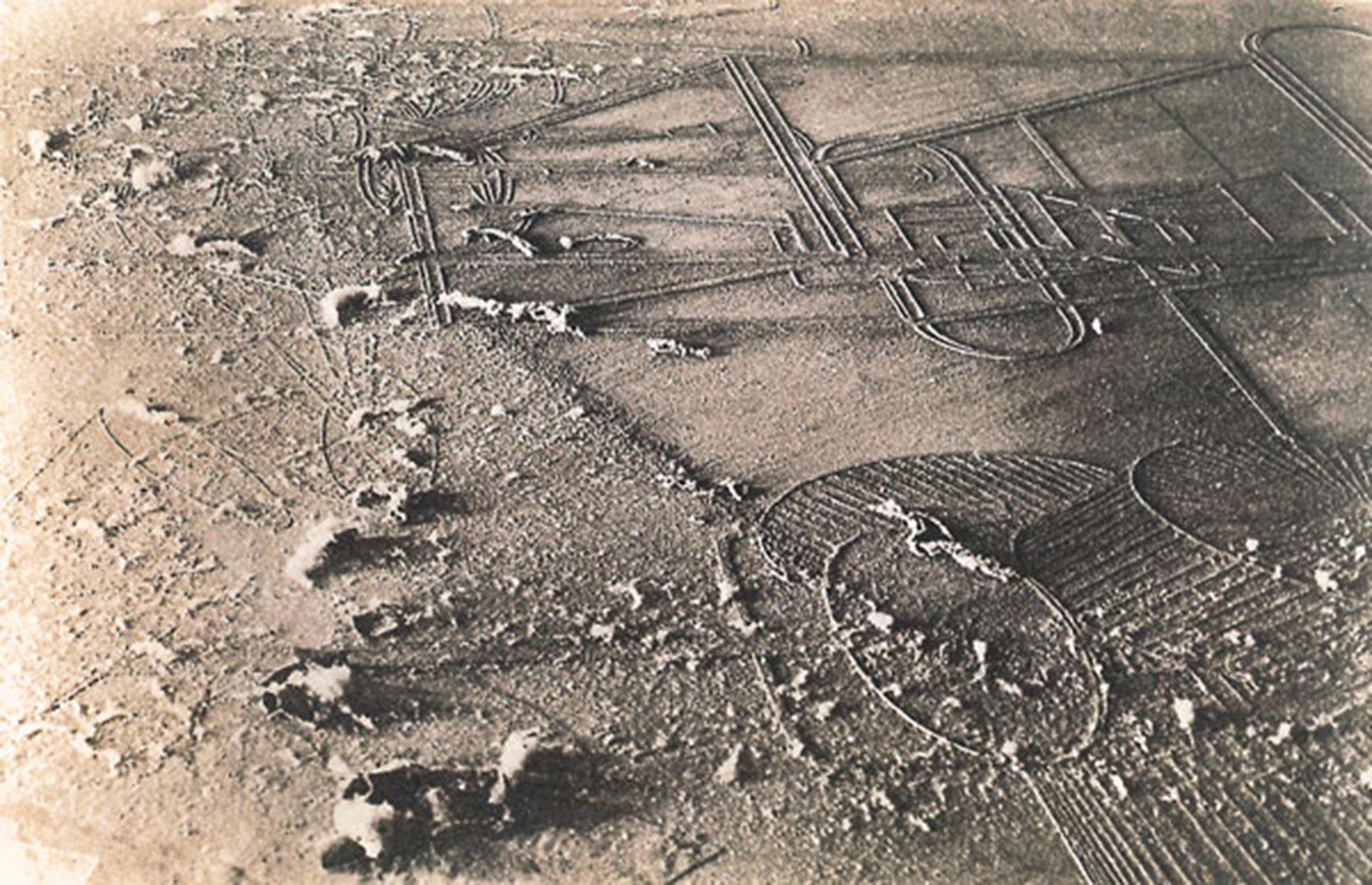 Man Ray, Marcel Duchamp, Dust Breeding II, 1920