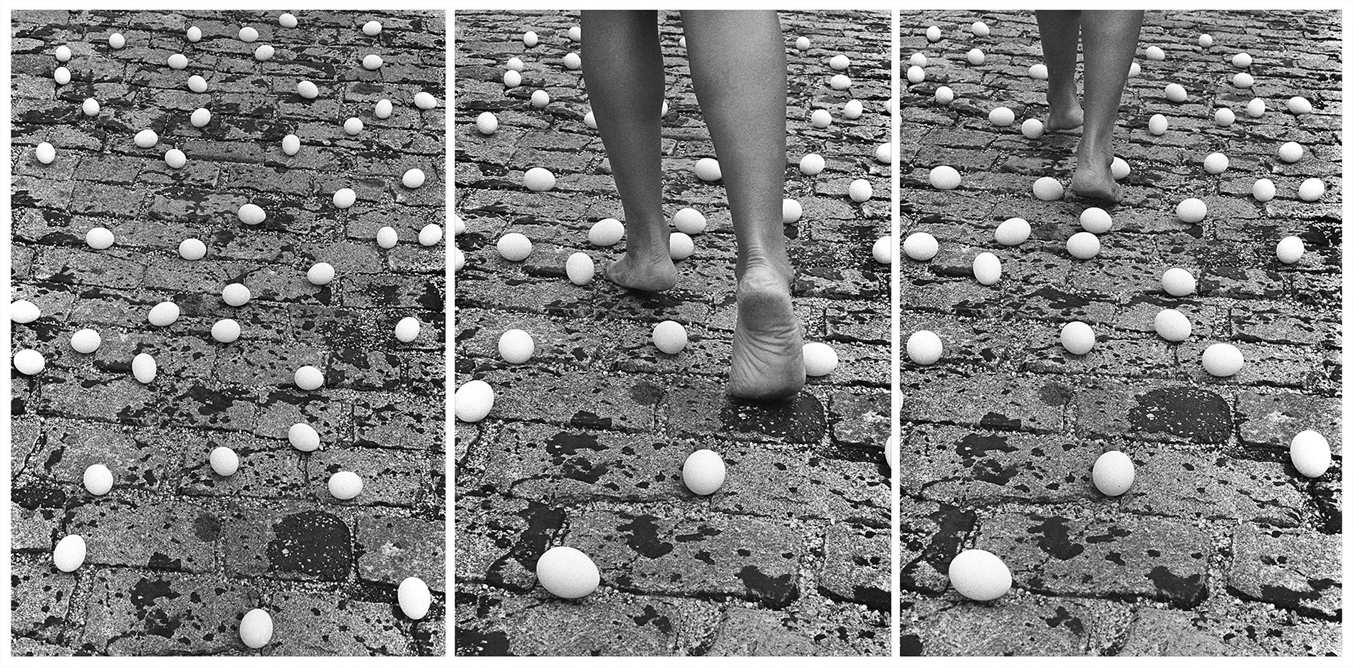 Anna Maria Maiolino, <Entrevidas> (Tra le vite), dalle serie Fotopomeazione, 1981/2010 Fotografia in bianco e nero, stampa digitale (dettaglio, una parte di un trittico). Courtesy dell'artista, collezione privata Monza e Galleria Raffaella Cortese, Milano.