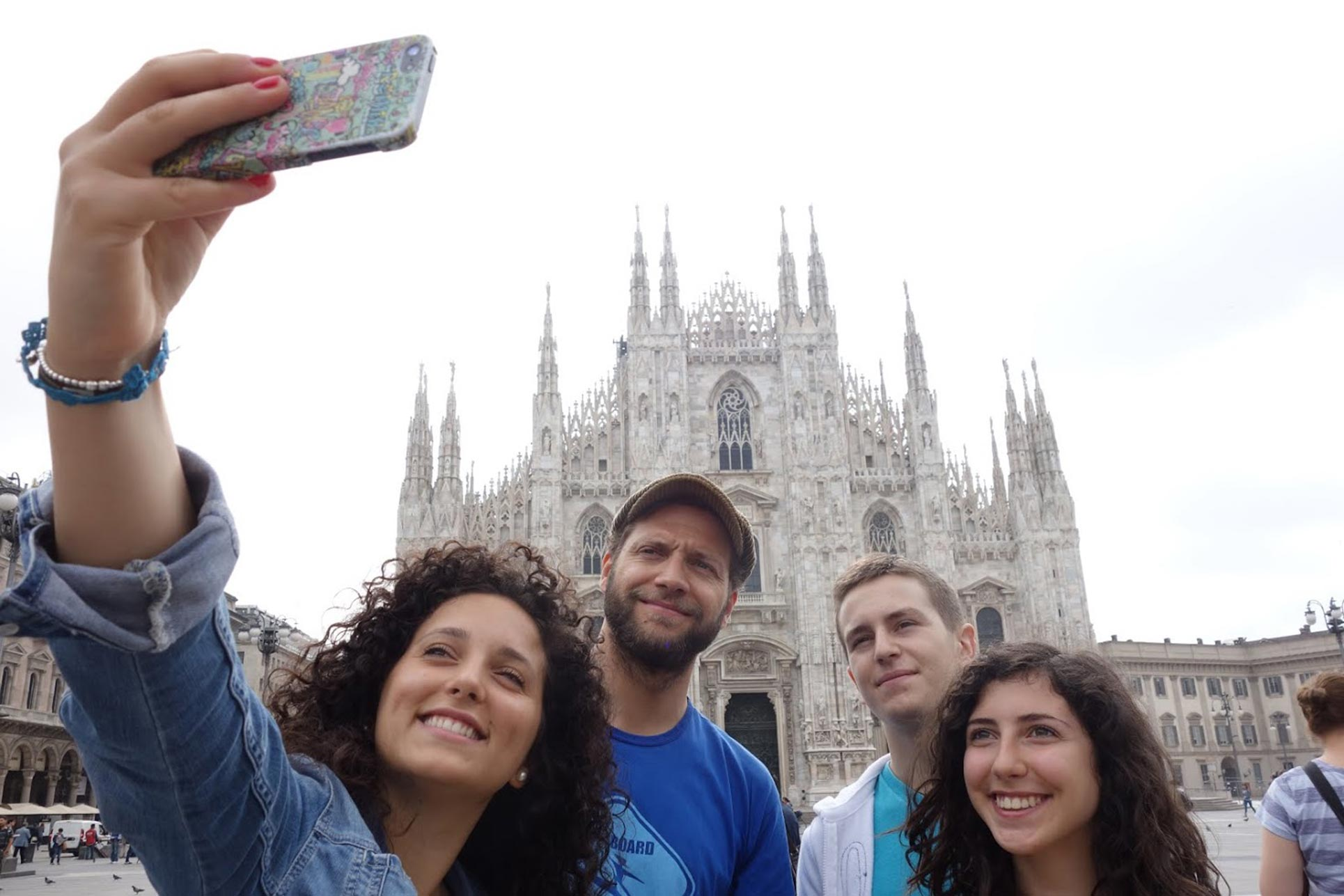 Selfie in front of the Milan Cathedral (Photo: Barbara Fässler)
