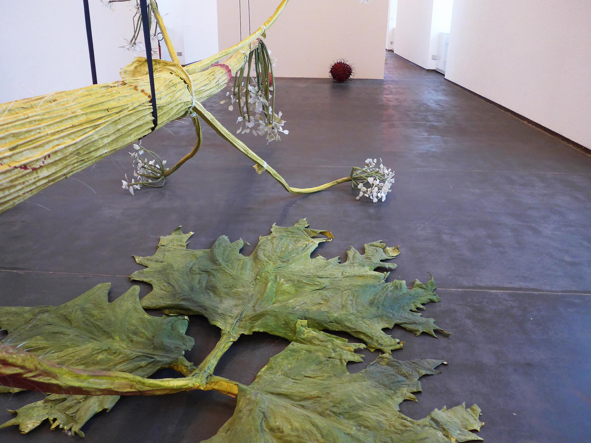 Ausstellungsansicht, Metamorfosi, Castello di Rivoli, Ingela Ihrman, The Giant Hogweed, 2016 (Foto: Barbara Fässler)