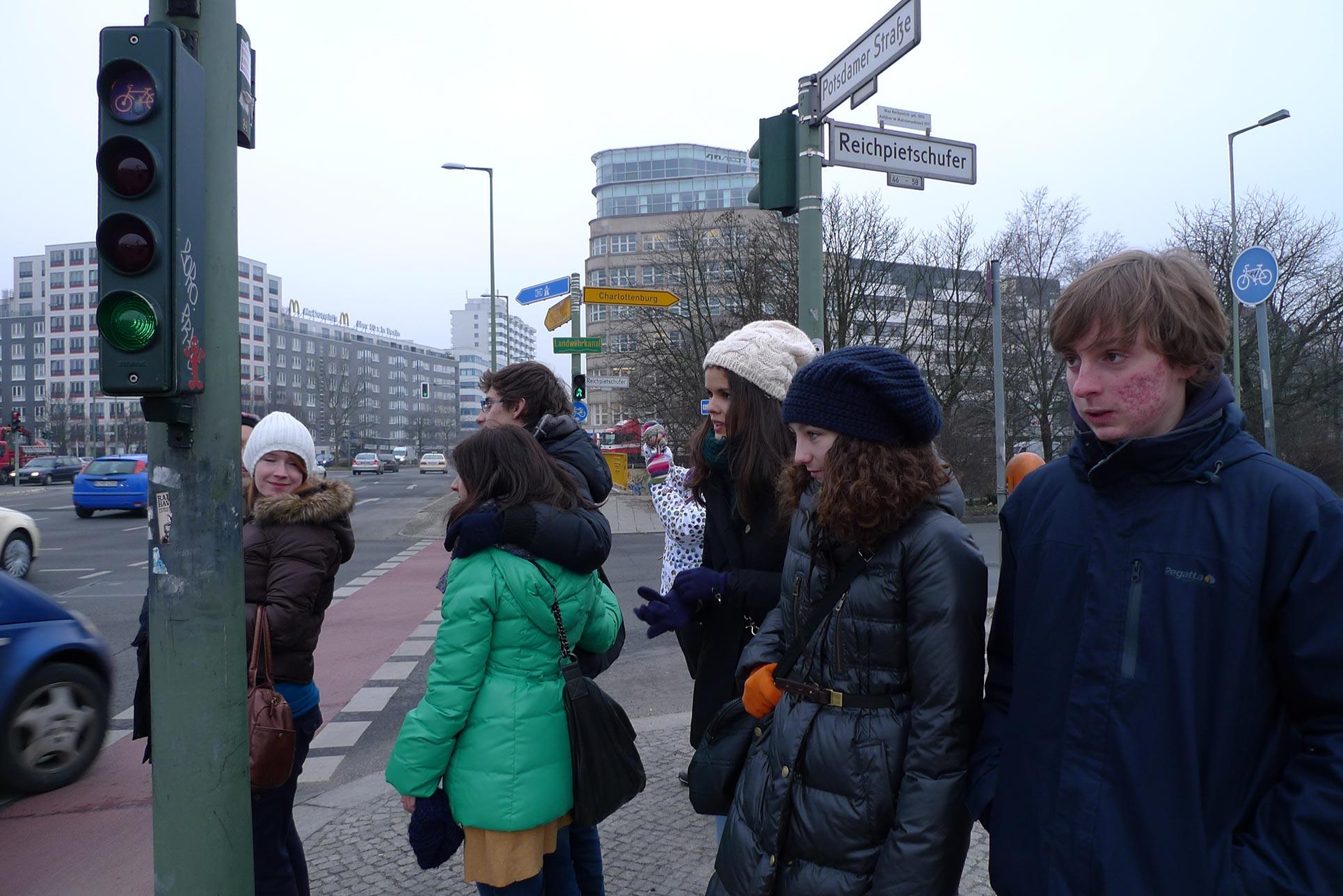 Walking around in a frozen climate (Photo: Barbara Fässler)