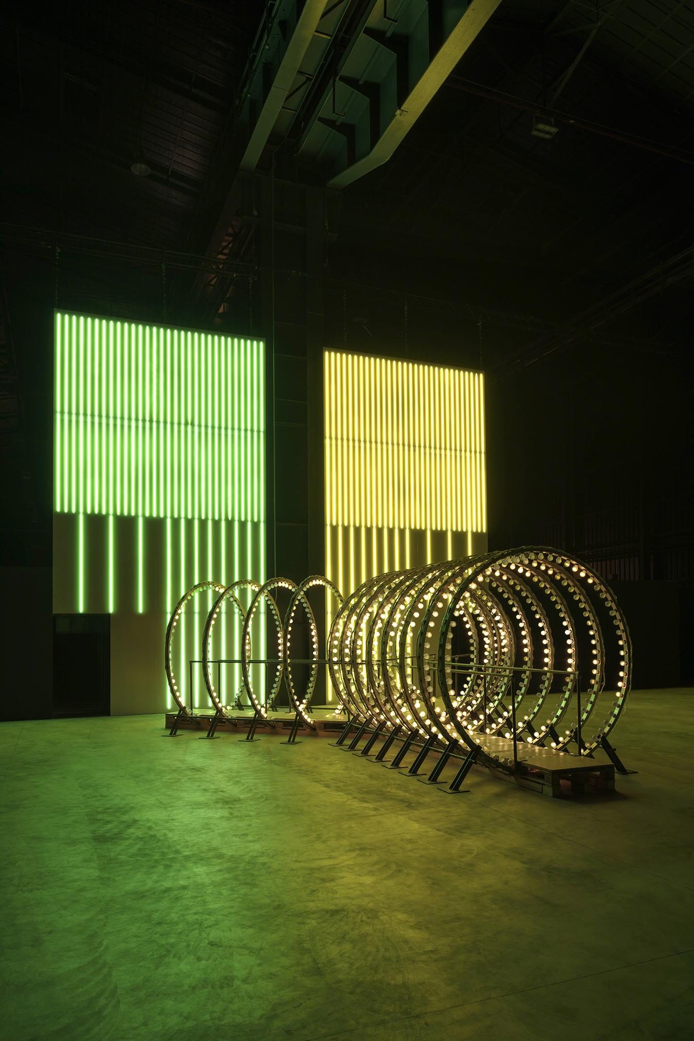 Carsten Höller, Y, 2003; Divisions Wall, 2016 (Courtesy of the artist and Pirelli HangarBicocca, Milan. Photo: © Attilio Maranzano)