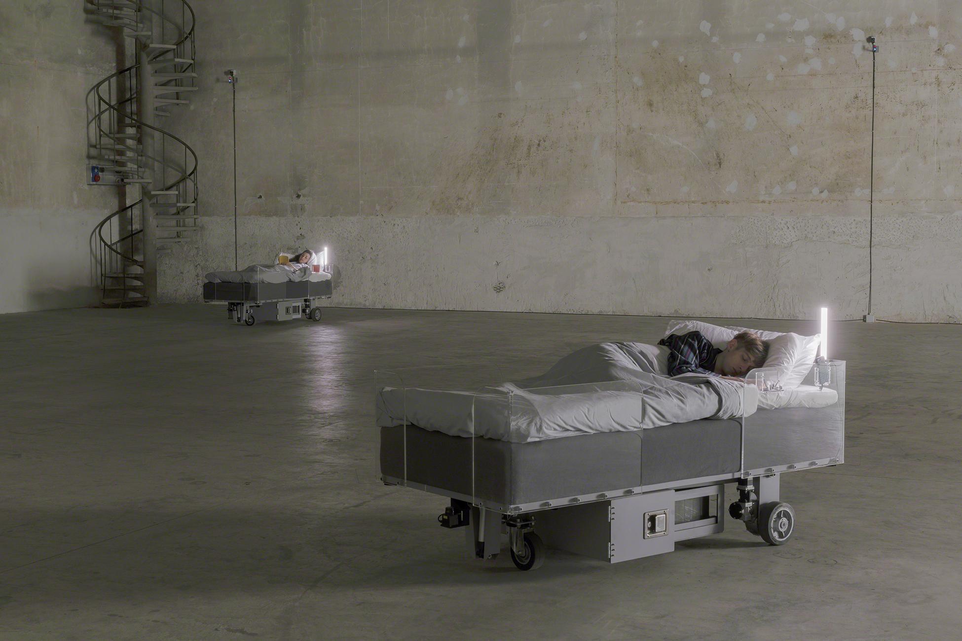 Carsten Höller, Two Roaming Beds (Grey), 2015 (Courtesy of the artist and Pirelli HangarBicocca, Milan. Photo: © Attilio Maranzano)