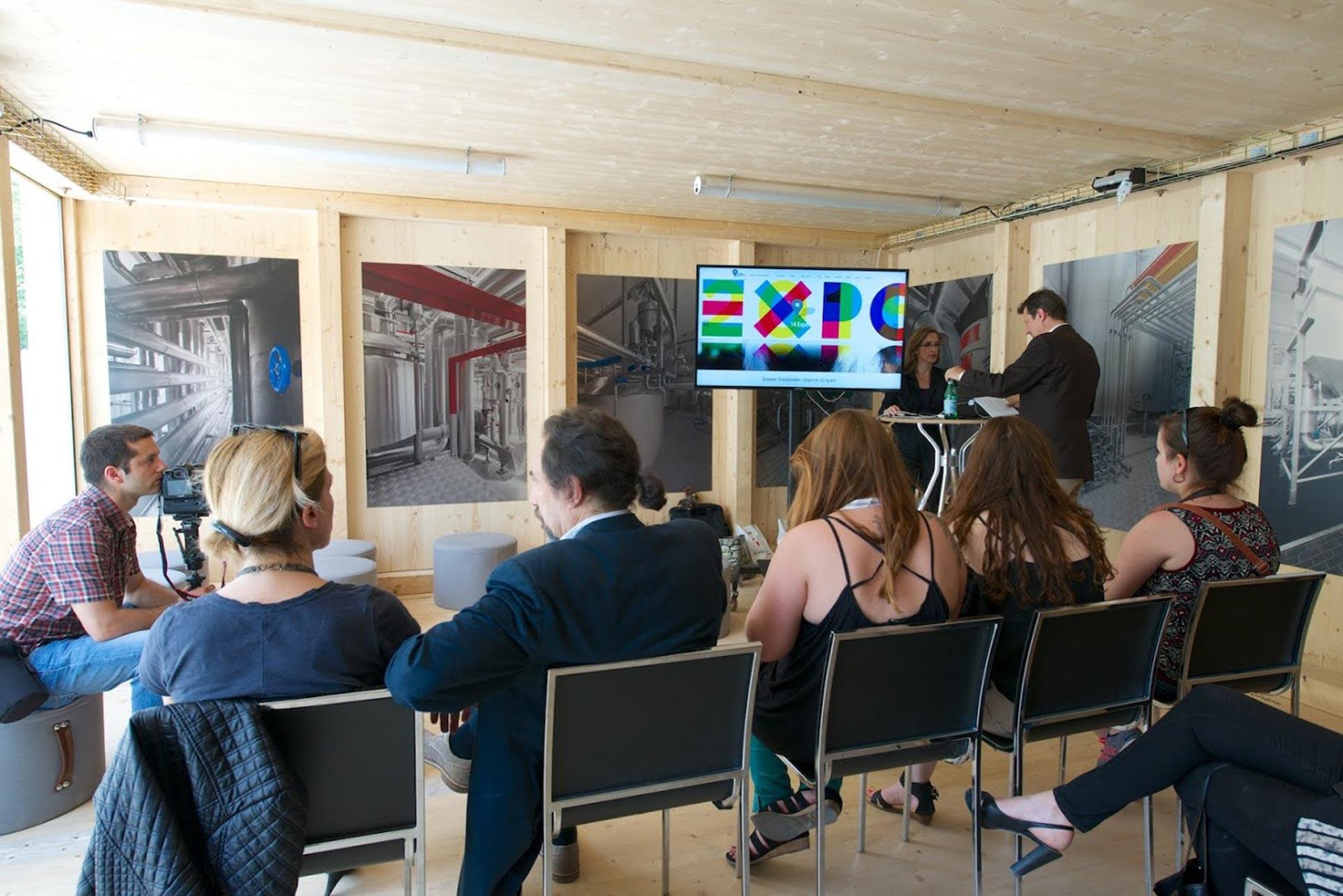 Presentation of the Discover Graubünden Website (Photo: Thomas Libiszewski)