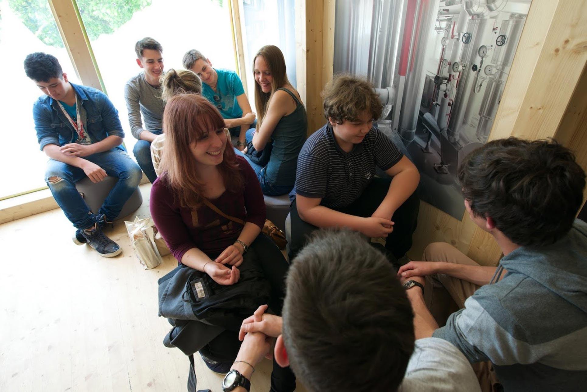 Presentation of the Discover Graubünden Website, performance of the pupils SSM (Photo: Thomas Libiszewski)